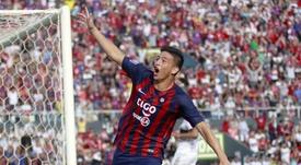 Cerro Porteño y Olimpia podrán jugar sus enfrentamientos en sus estadios. EFE