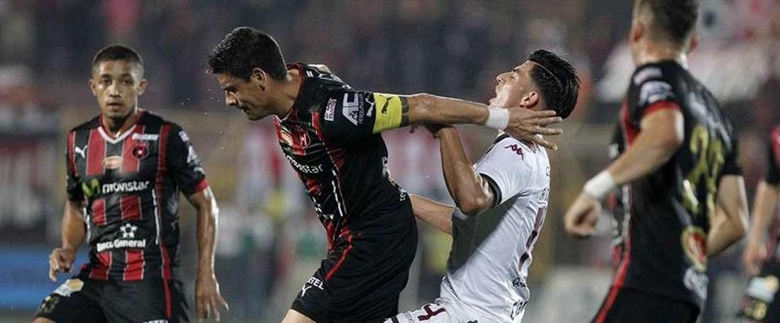 Alajuelense rescata un punto frente a Herediano. EFE/Archivo