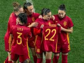 España le dedicó la victoria a Mariona. EFE