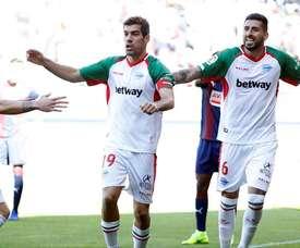 El Alavés quiere seguir en los puestos altos de la tabla. EFE/Archivo