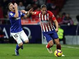 Filipe Luis has his options open. EFE