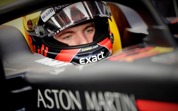 El piloto español Carlos Sainz de Renault corre durante el Gran Premio de Brasil hoy, domingo 11 de noviembre de 2018, en Sao Paulo (Brasil). EFE