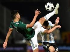 Argentina venció por 2-0. EFE