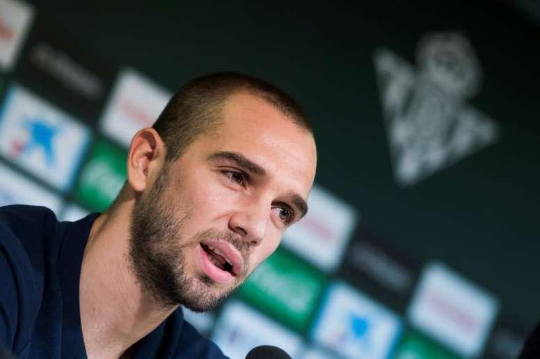 Pau López debutó con 'la Roja'. EFE