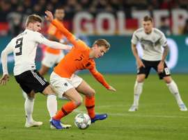 De Jong is understood to be City's top midfield target. EFE
