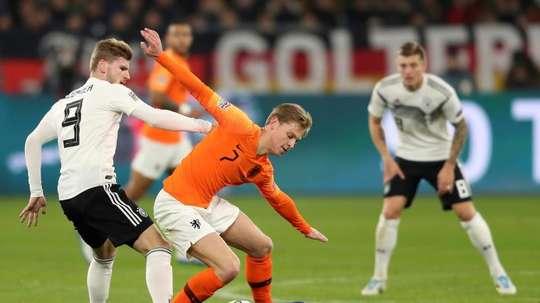 De Jong disponible pour sélection. EFE