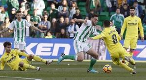 El Betis lleva unos años sin ganar al Villarreal en La Cerámica. EFE