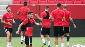 El Sevilla se enfrenta al Valladolid. EFE