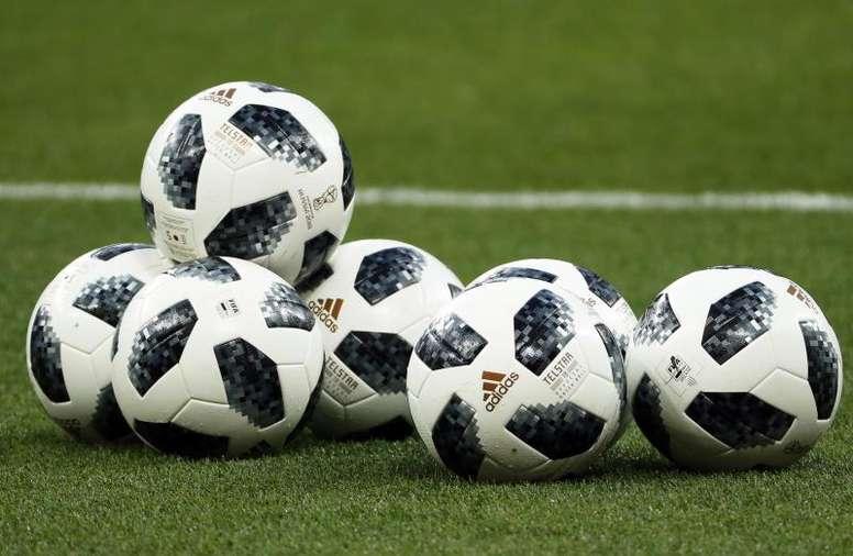 Humberto Panjoj tendrá que elegir entre el fútbol o la docencia. EFE
