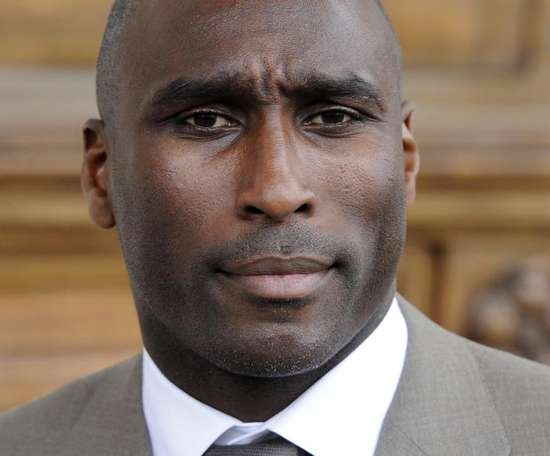 Sol Campbell has taken a lower league job to get on the managerial ladder. EFE