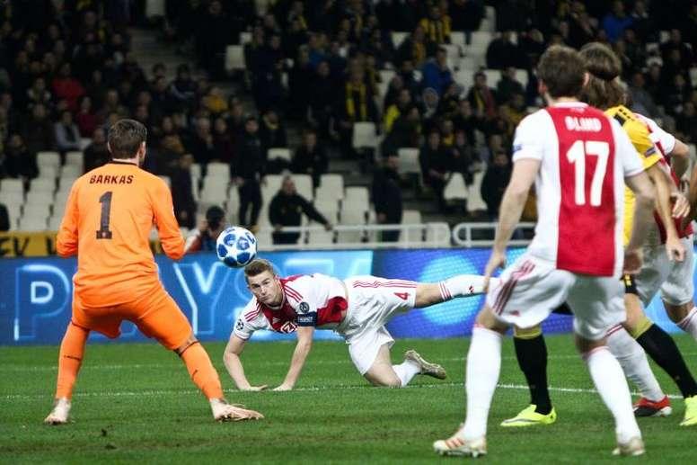 El Ajax puso precio a sus dos joyas ante el interés azulgrana. EFE
