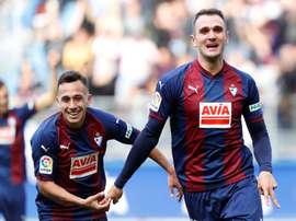 Kike García analisa falhas do time. EFE
