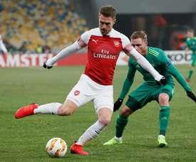 El Arsenal se aseguró la primera plaza de su grupo. EFE