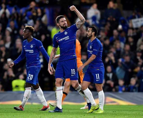 Giroud was in clinical form at the Bridge. EFE