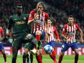 Dortmund have shown interest in Filipe Luis. EFE