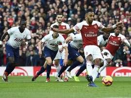 El Arsenal se impuso en el derbi londinense. EFE