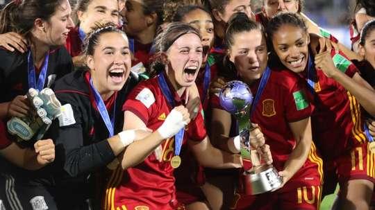 Las españolas ya están en casa. EFE