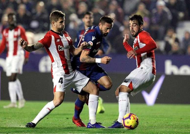Íñigo Martínez aún no ha vuelto al trabajo con el Athletic. EFE