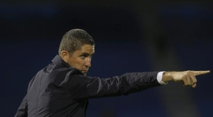 El entrenador español conquistó la Copa Confederación de la CAF. EFE