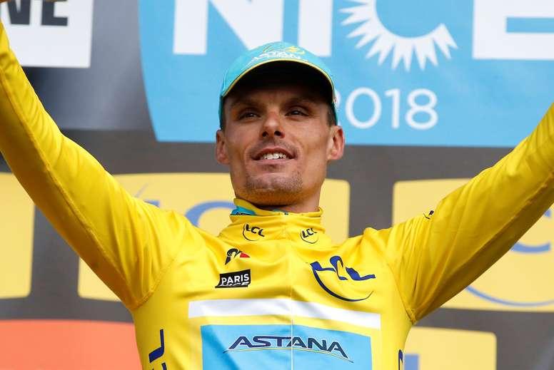 El ciclista español del equipo Astana Pro Team Luis León Sánchez en el podio durante la Vuelta Ciclista entre París y Niza 2018. EFE/Archivo