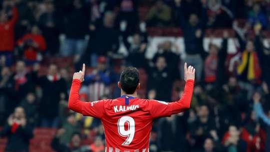 Liga Turca aparece como um dos possíveis destinos para Nikola Kalinic, do Atlético. EFE