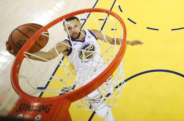 En la imagen, Stephen Curry de los Warriors de Golden State. EFE/Archivo