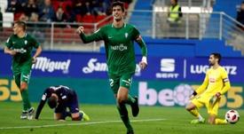 El Sporting empató 2-2 con el Eibar. EFE