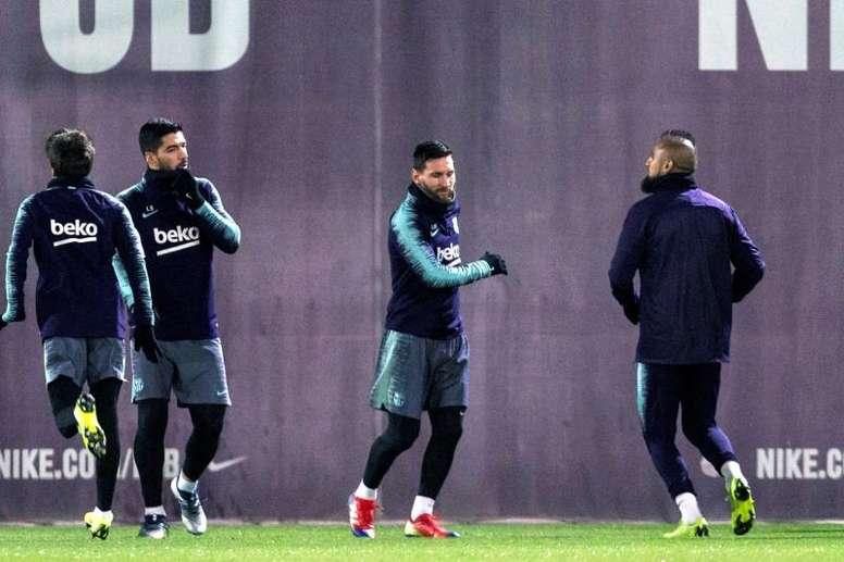 O Barcelona quer retornar aos treinos em 18 de maio. EFE