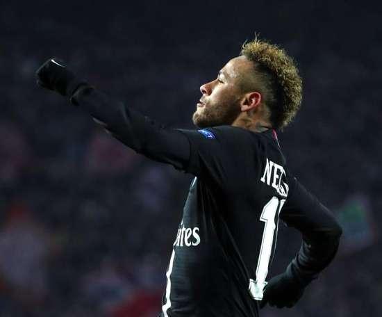 E se ele ficar em Paris? EFE