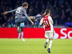 Müller transmitió sus disculpas al del Ajax a través de las redes. EFE