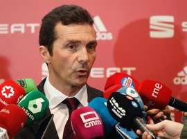 Guillermo Amor ne sait rien de la possible arrivée de De Jong. EFE
