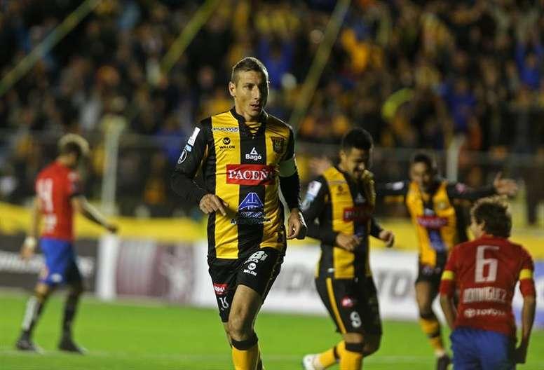 The Strongest no pudo pasar del empate ante Bolívar. EFE/Archivo
