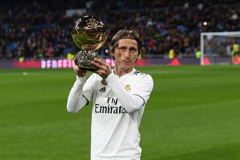 Modric estará en la gala para dar el Balón de Oro a su sucesor. EFE