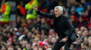 Mourinho, protagonista dentro y fuera del terreno de juego. EFE
