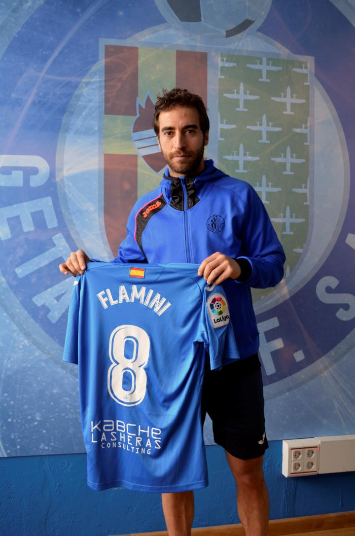 Mathieu Flamini seguirá en el Getafe. EFE/Archivo