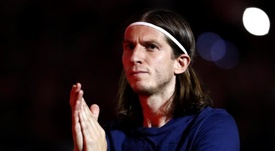 Filipe Luis still has to decide on his future. EFE/Archivo