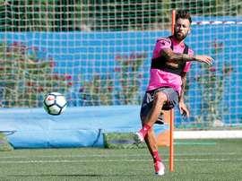 Antonio Luna devrait renforcer la défense du Granada CF. EFE