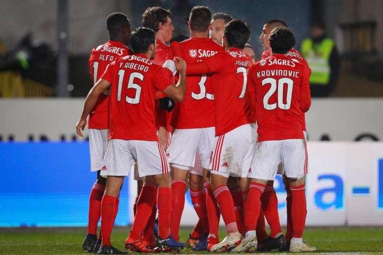 Los de Rui Vitória golearon por 6-2. EFE