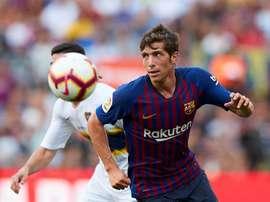 Sergi Roberto deixou o campo com incômodos no joelho. EFE