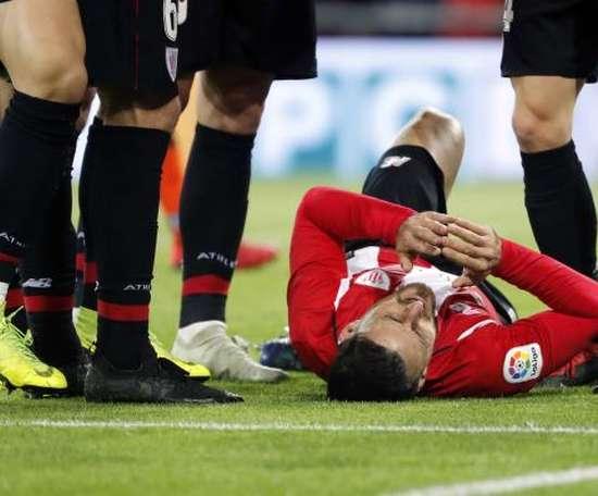 O avançado do Athletic, Aduriz, saiu lesionado. EFE