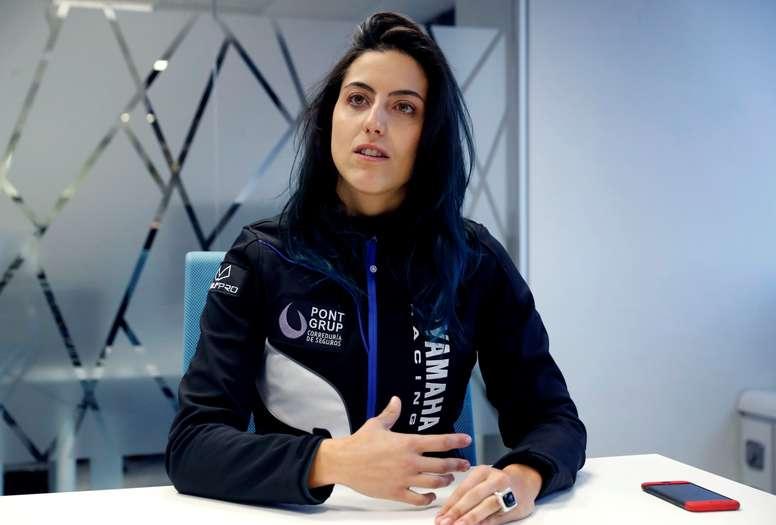 En la imagen un registro de la piloto Sara García, la primera española en correr el rally Dakar sobre una motocicleta, quien abandonó la carrera este jueves en la cuarta etapa por un problema eléctrico del motor. EFE/Archivo