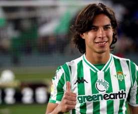 On ne touche pas à Diego Lainez. EFE