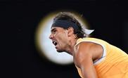 El tenista español Rafael Nadal devuelve una bola al australiano Matthew Eden durante el partido de segunda ronda del Abierto de Australia que ambos disputaron en Melbourne, Australia, hoy, 16 de enero de 2019. EFE