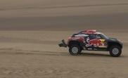 El francés Stephane Peterhansel compite en su Mini durante la octava etapa del Rally Dakar 2019, entre San Juan de Marcona y Pisco (Perú) . EFE