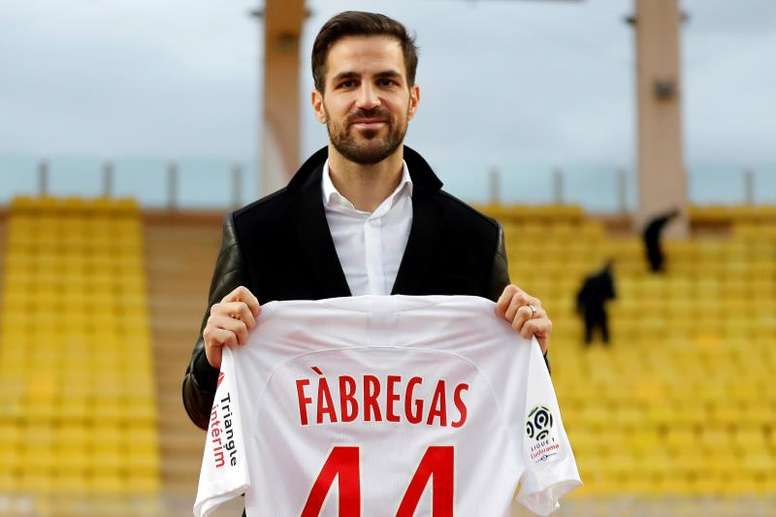 Fàbregas aponta Sarri como culpado da sua saída do Chelsea. EFE