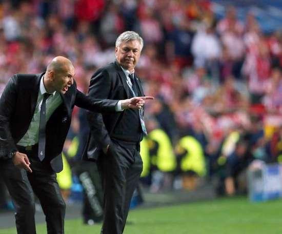 Carlo Ancelotti e Zidane. EFE