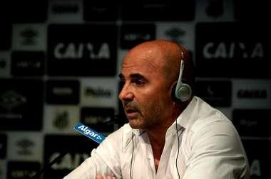 Ganó Santos en el estreno de Sampaoli. EFE