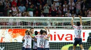 Chivas se crece y rompe la racha de León. EFE
