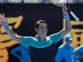 El canadiense Milos Raonic celebra su victoria ante el alemán Alexander Zverev en el Abierto de Australia. EFE