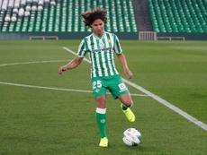 Lainez debutó en el Villamarín ante el